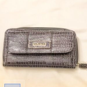 UNLISTED BY KENNETH COLE.  GREY CROC.  NEW